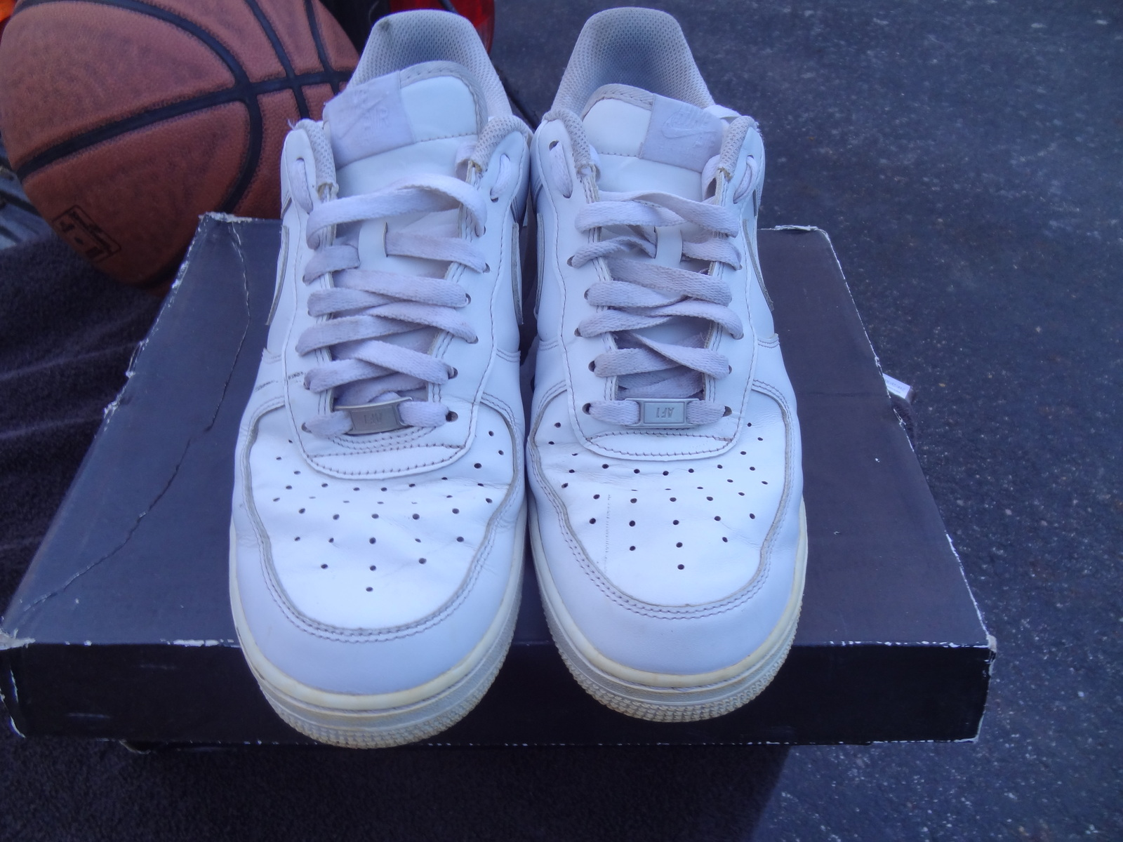 d3dacc753afd4 Nike Men s Size 10 Air Force 1 2014 AF1 Low and 50 similar items