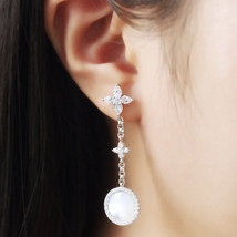 BNIB AUTHENTIC APM MONACO Asymmetric Eternelle Dropping Earrings With Pearl  image 5