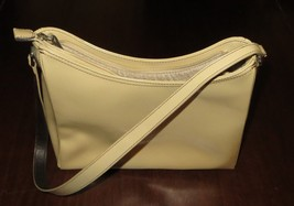 Liz Claiborne  Classic  Ivory  Leather  Shoulder Bag  Handbag  Vintage   P-1 - $16.95