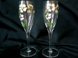 Vintage Fluted Champagne Wine Glasses Hand Painted Glass Apple Blossoms ... - $22.75