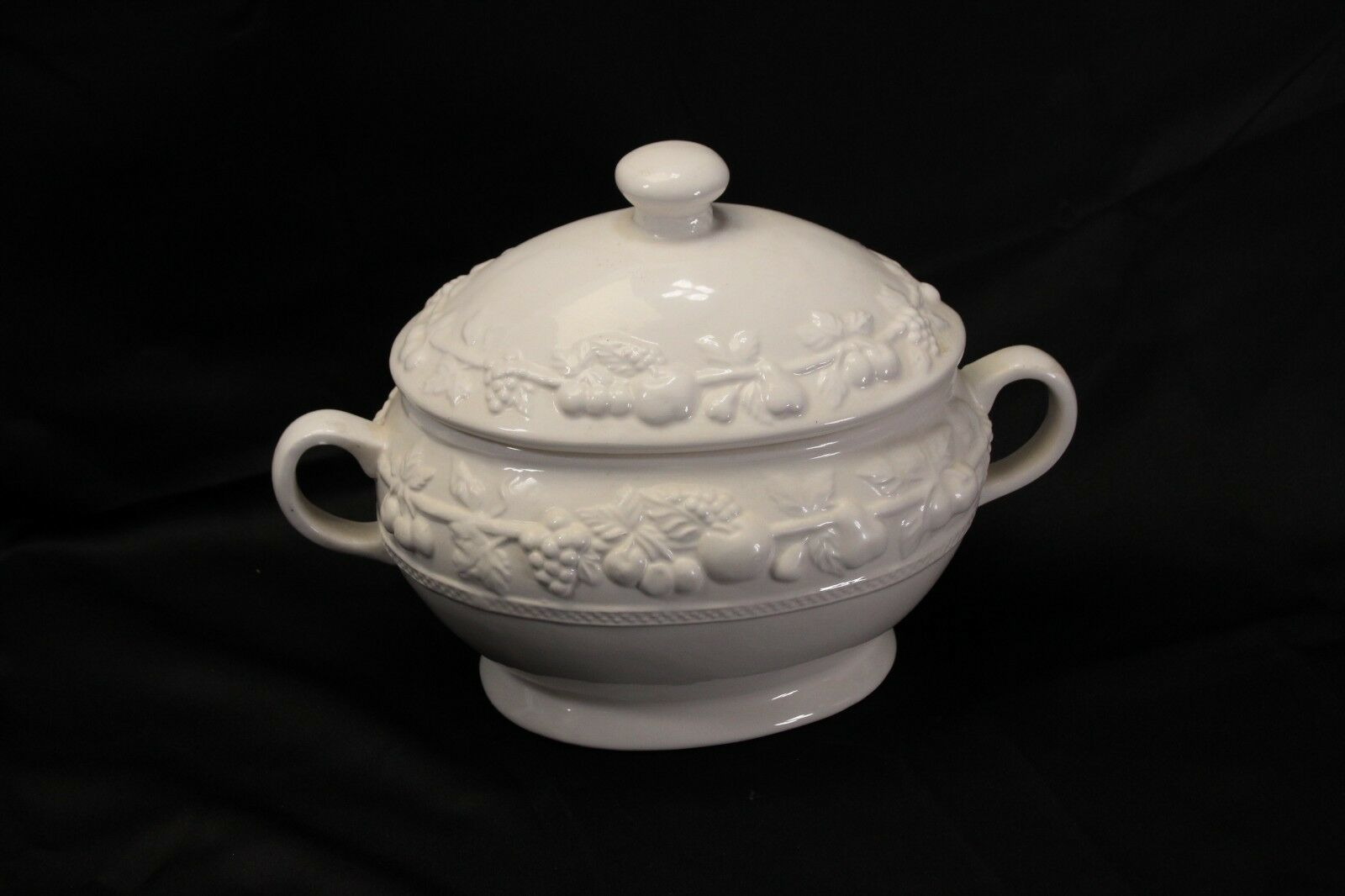 """Over and Back Soup Tureen 9.5"""""""