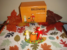 Dept 56 Halloween Is Anyone Watching? - £19.36 GBP