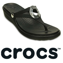 Crocs Sanrah Sandals Flip Flops Thongs Sz 11 Black Circle Medallion Comf... - $31.18