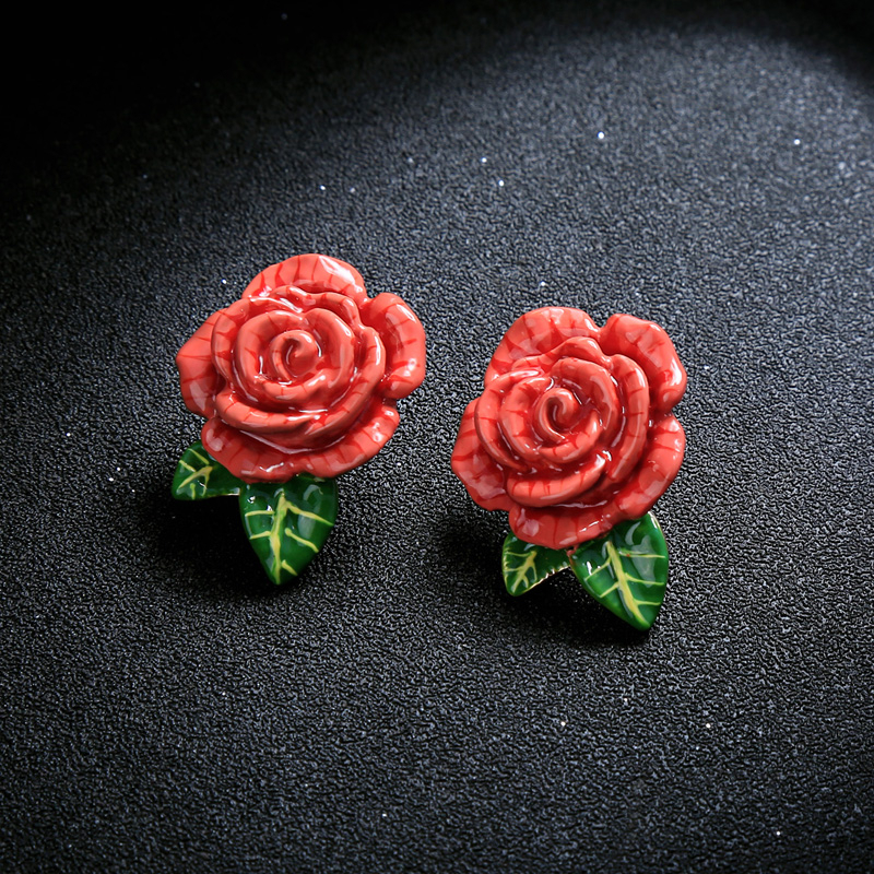 Uer 2018 11 11 new red enamel rose flowers plant green leaf stud earrigns for christmas 3