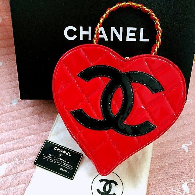 986c210e78bcfb CHANEL Heart Vanity Hand Bag Red Enamel and 50 similar items. 57