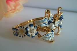 Vtg KENNETH J LANE Bracelet KJL Enamel FLOWER Bangle Blue Lily Pearl - $79.99