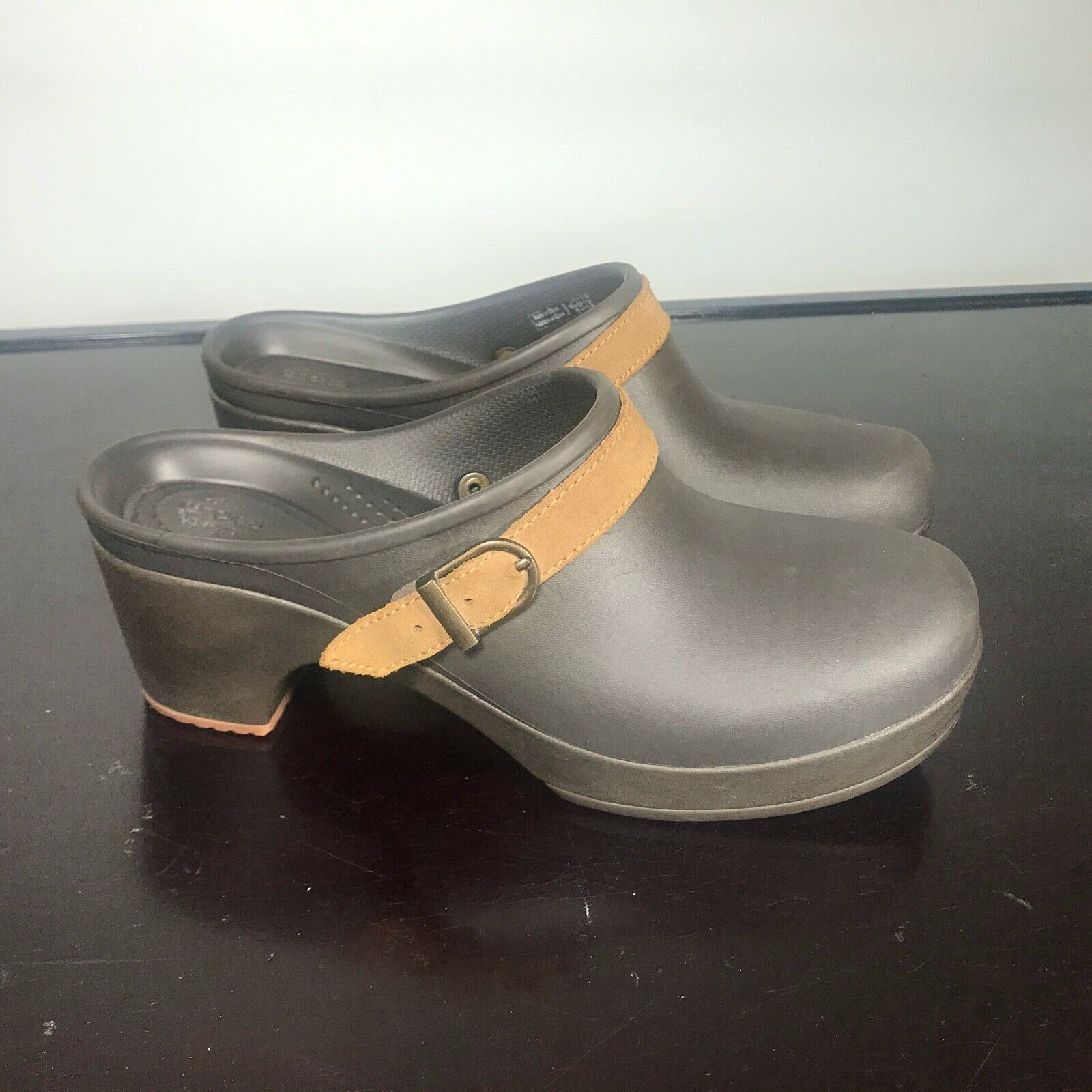 Primary image for Crocs Sarah Buckle Brown High Heel Mules Clogs Women's Size 8. Nice!