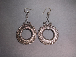 VTG Metal Wrapped Wreath Dangle Earrings - $5.94