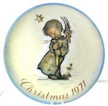 SCHMID CHRISTMAS PLATE - 1971 - 1ST IN SERIES - SISTER BERTA HUMMEL  LTD... - $19.35