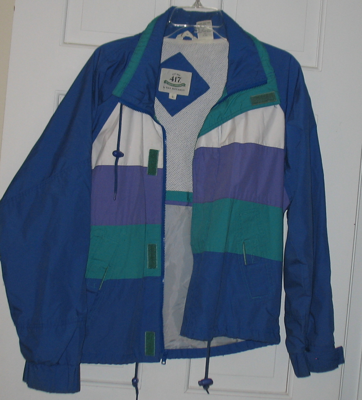 Man's Van Heusen 417 Blue Windbreaker Jacket SZ SMALL EUC