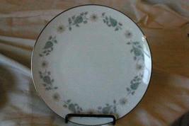 Noritake 1976 Wellesley Dinner  Plate #6214 - $6.92