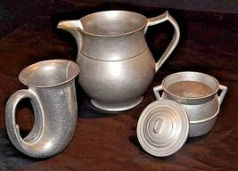 Pewter Pitcher, Cups, Creamer with Lid AA18-1291 Vintage Hand Cast image 3