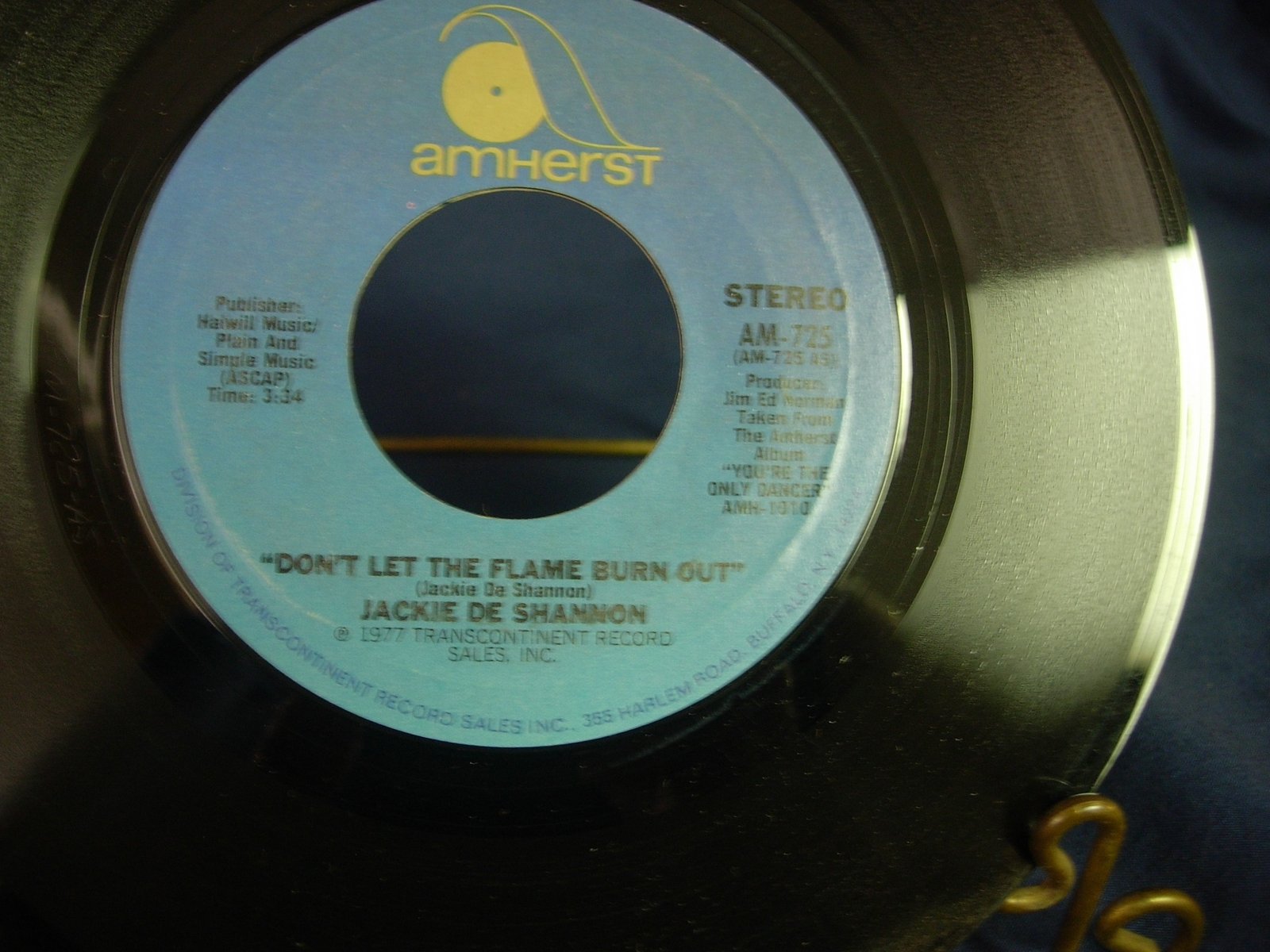 Jackie De Shannon - Don't Let the Flame Burn Out / I Don't Think - Amherst AM725