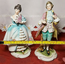 Vintage Lefton China Pair of Colonial Man & Woman Figurines KW7225 image 4