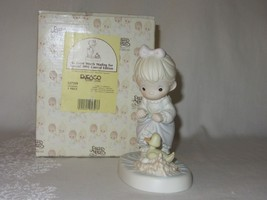 Precious Moments 527319 An Event Worth Wading For 1992 LE Figurine - $19.79