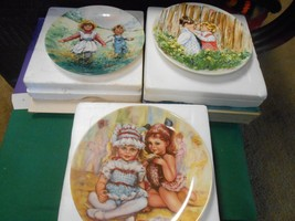 Great Collection 3 WEDGWOOD of ETRURIA Made in England COLLECTOR PLATES - $9.49