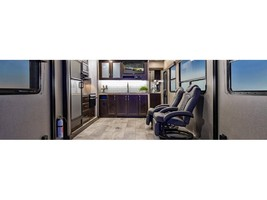 2019 GRAND DESIGN MOMENTUM G-CLASS 25G For Sale In Woodland Hills, CA 91367 image 5
