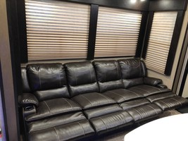 2016 Grand Design Momentum 348M For Sale In Franklin, OH 45005 image 13