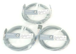 LOT OF 3 NEW OMRON EE-1010 1M CONNECTORS EE1010
