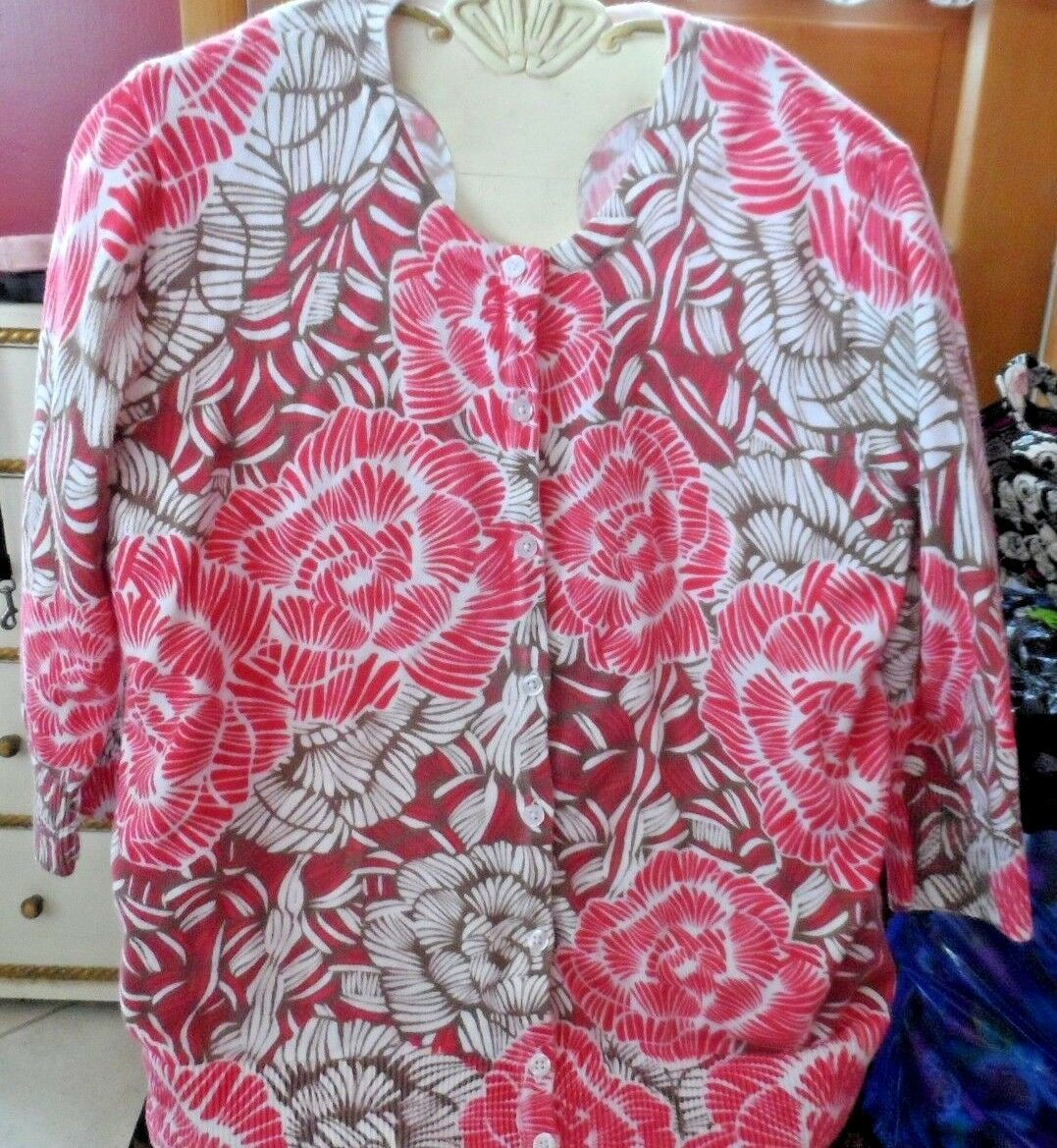 Ladies Petite Medium tan and red floral cardigan sweater by Croft & Barrow - $12.50