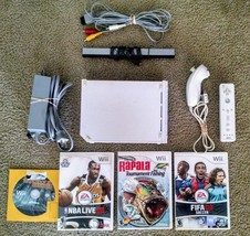Nintendo Wii Bundle Console RVL-001 With 4 Games & 1 Remote with nunchuk - $57.87