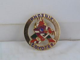Phoenix Coyotes Pin (VTG) - Original Logo Round Pin - Peter David - $19.00