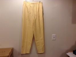 Briggs New York Women's Casual Yellow Pants Sz 12