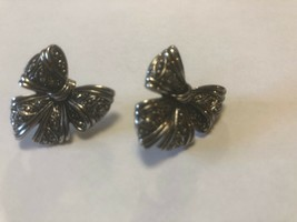 Vintage bow Earrings Costume Jewelry Christmas - $6.34