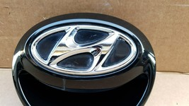 12-16 Hyundai Veloster Rear Hatch Handle Tailgate Emblem image 2