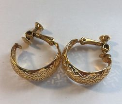 Napier Thick Hoop Criss Cross Gold Tone Screw Back Earrings Vintage Women  image 3