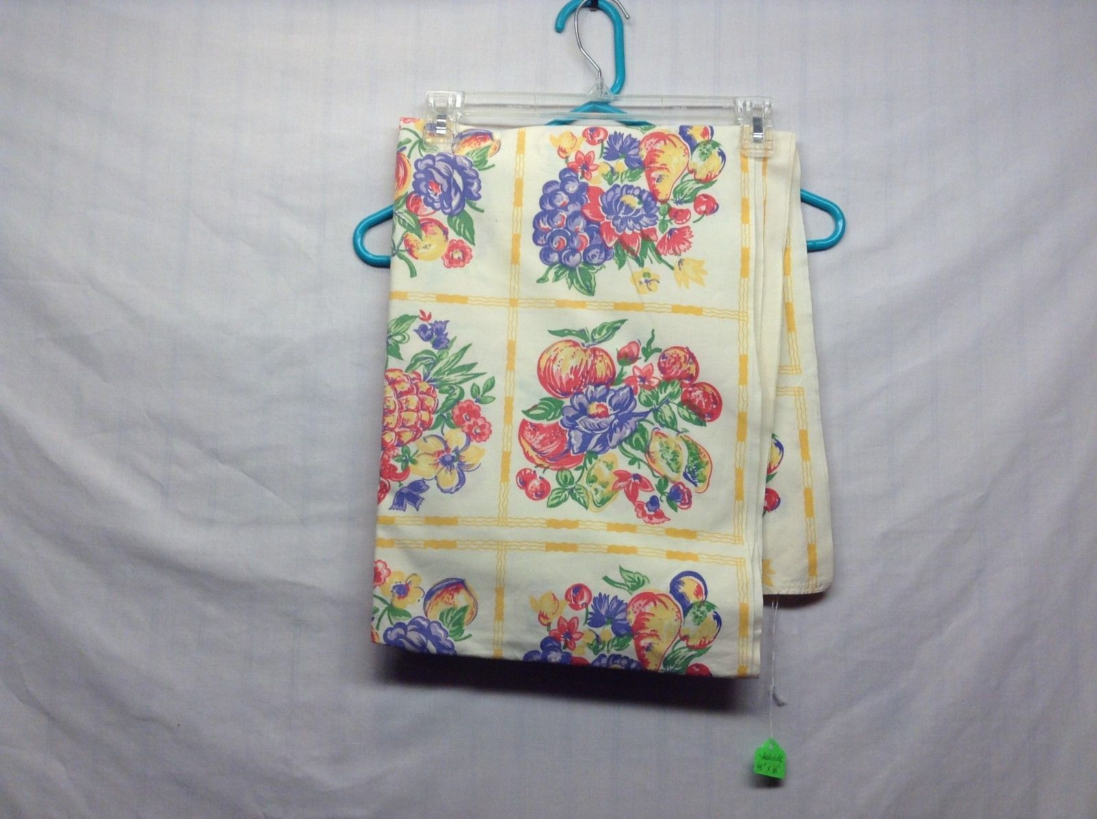 Vintage Off-white Tablecloth w Fruit Pattern