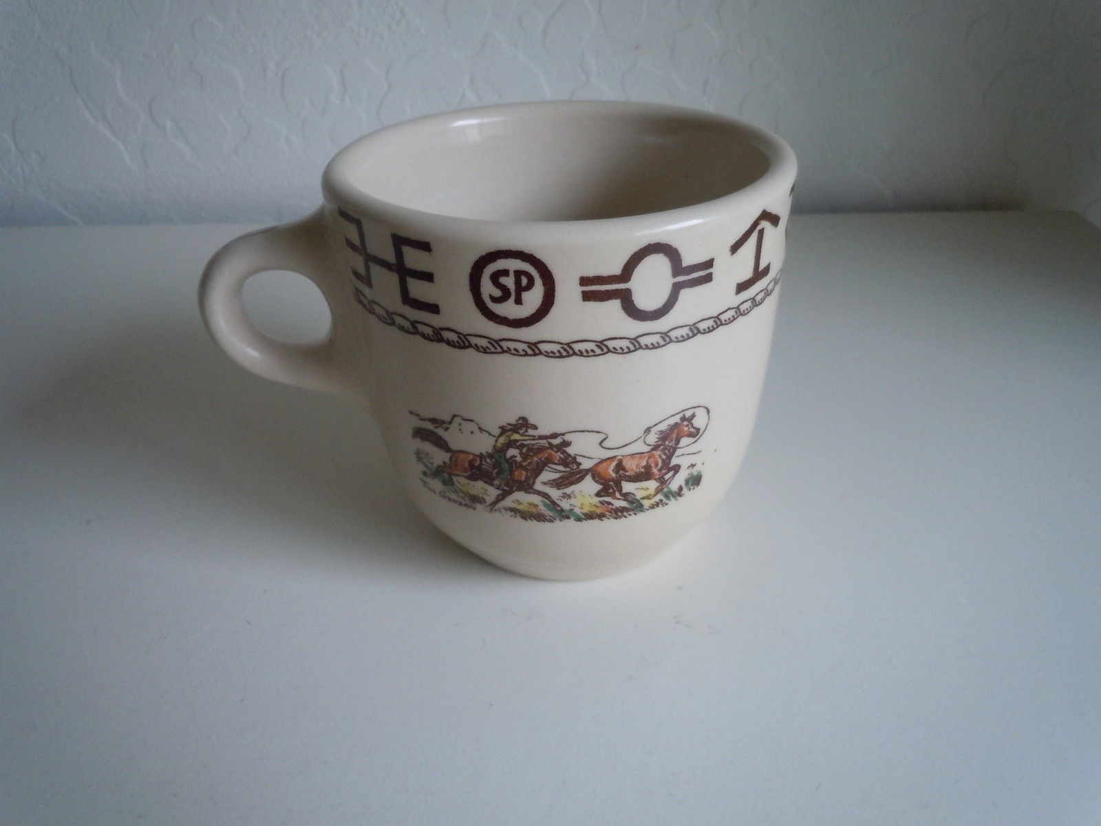 Wallace Rodeo Oversize cup Lassoing horse image 2
