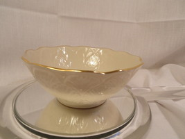 Ivory Lenox Nut Bowl Leaf Pattern Goldmark USA - $15.99