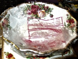 Royal Albert - Old Country Roses - Oval Sweet - Bowl (Sealed in Factoty) - $19.00