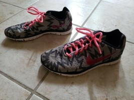 Nike Free Running Athletic Lace Up Pink/Grey Zig Zag Sneaker Shoes Women... - $38.60