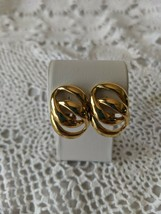 Sarah Coventry Designer Signed Gold Tone Clip On Earrings - $7.75