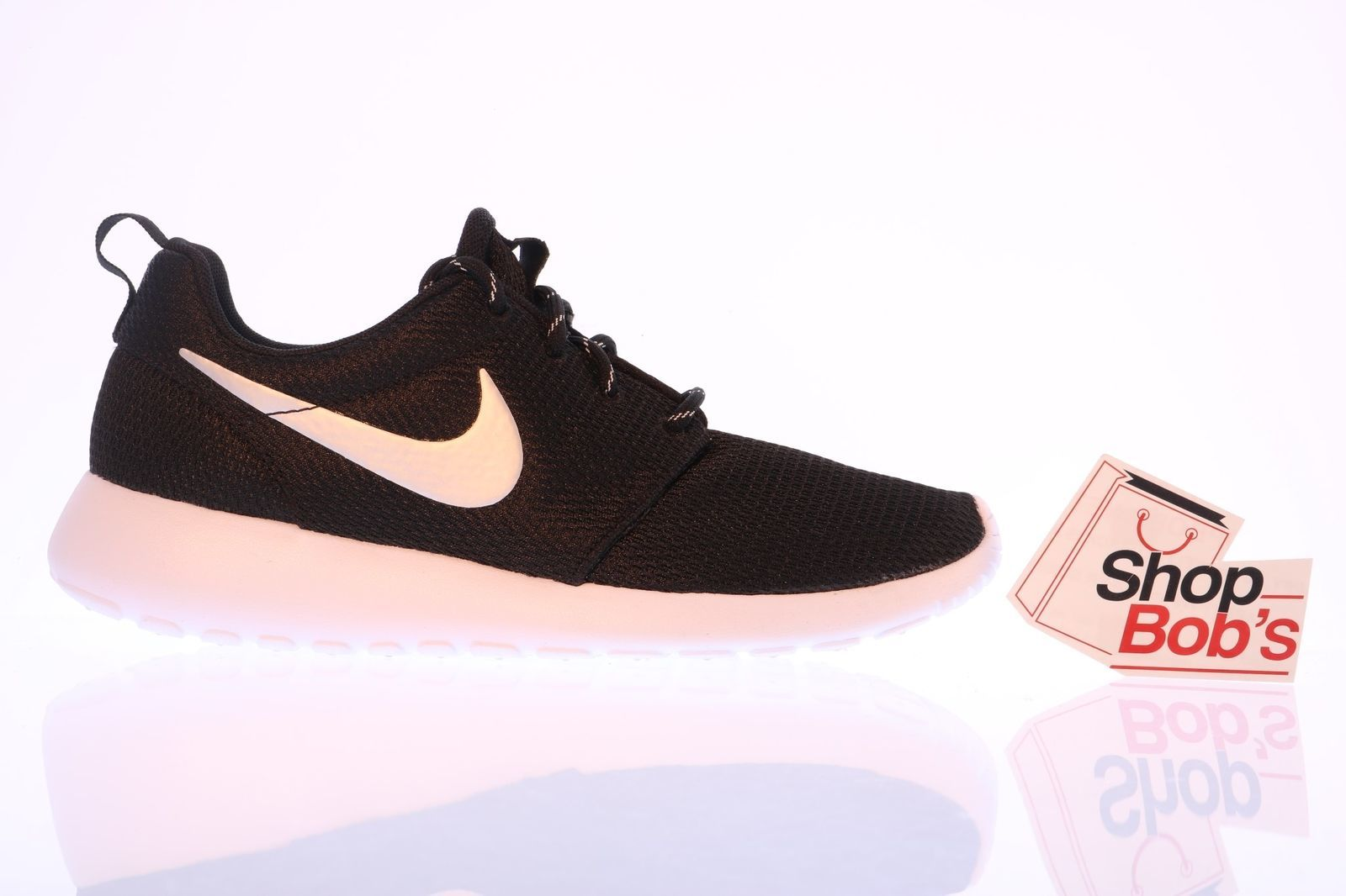 28d1202349f7 S l1600. S l1600. NEW Nike Women s Roshe Run Black Silver Running Shoes  Trainers 511882-094 Sz 6.5 · NEW Nike Women s ...