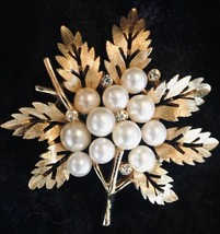 Vintage 60s Crown Trifari Gold Tone Pearl Rhinestone Maple Leaf Brooch Pin - $23.74