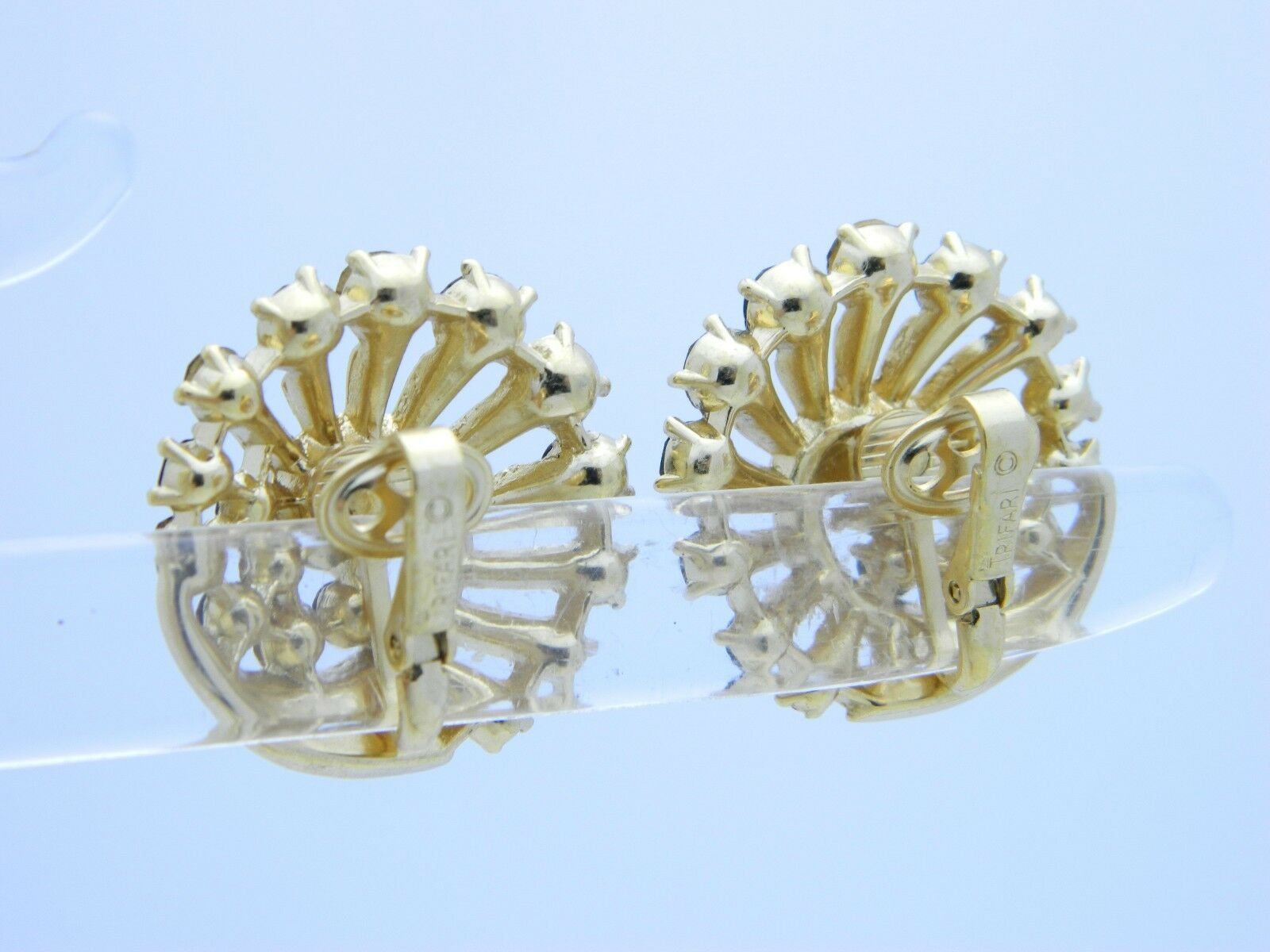 VTG 1950s CROWN TRIFARI Gold Tone Red AB Rhinestone Clip Earrings