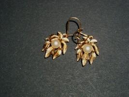 Avon Earrings Gold Pearl Costume Jewelry Vintage 1950's 1960's - $14.99