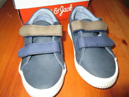 Toddler Boys Angelo Casual Sneakers Size 8 New in box - $13.50