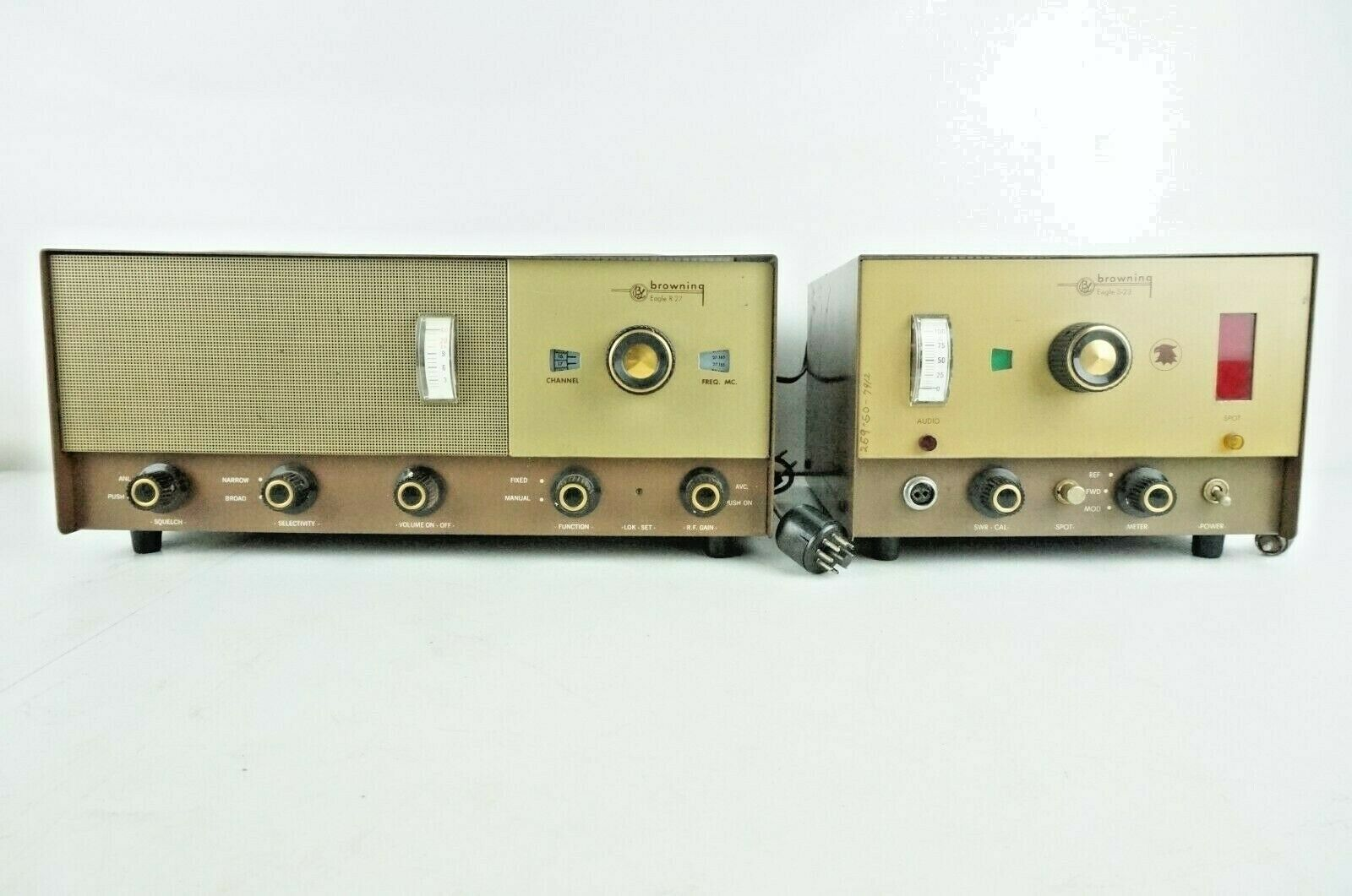 Primary image for Vintage Browning Eagle R-27 Receiver & S-23 Transmitter Powers On As-Is
