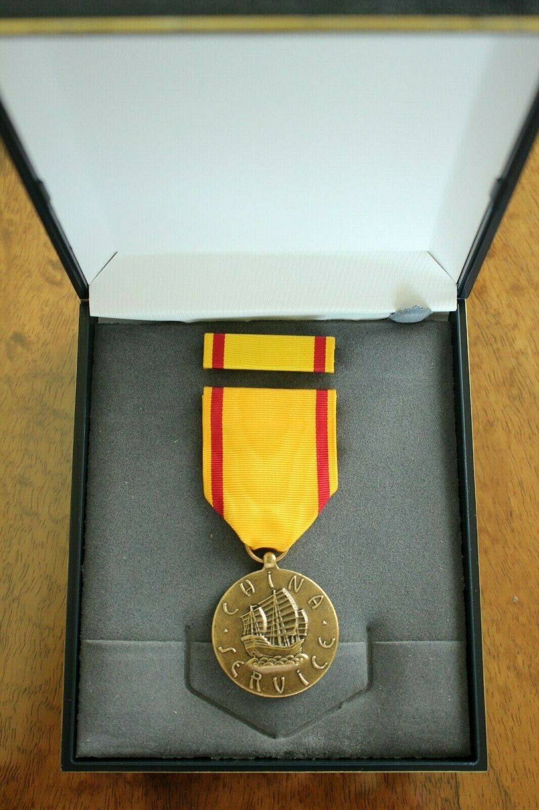 Primary image for USN US NAVY & FLEET MARINE CORPS USMC UNISSUED CASED CHINA SERVICE MEDAL SET #30