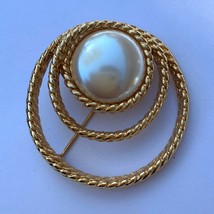 Vintage Monet Faux Pearl Rope Texture Gold Tone Brooch Pin Round Open Swirl - $17.77