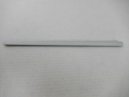 Toshiba Satellite L305 L305D-S5974 Palmrest Keyboard Hinge Trim Cover 6051B02647 - $1.77