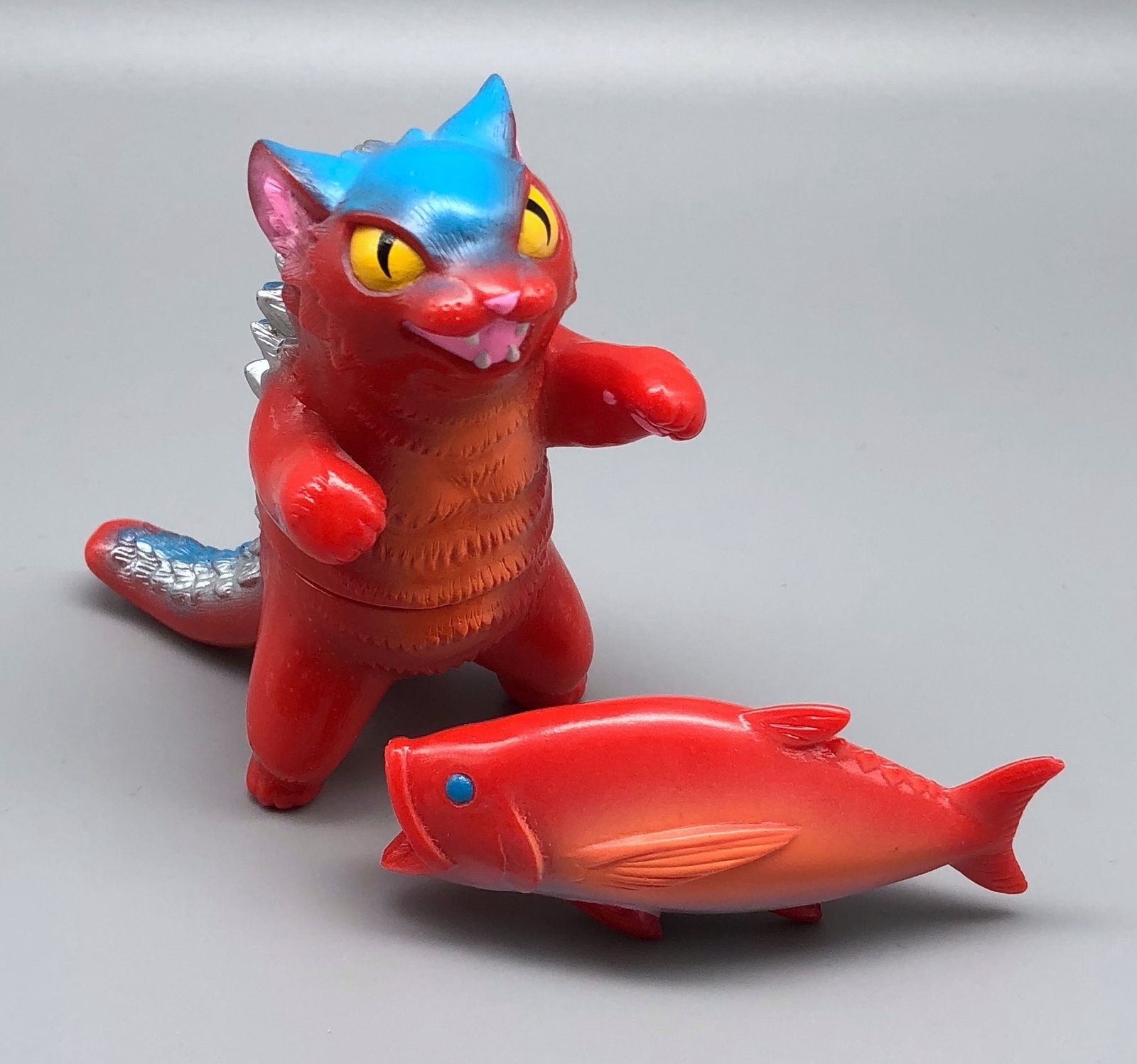 MaxToy Red Negora w/ fish