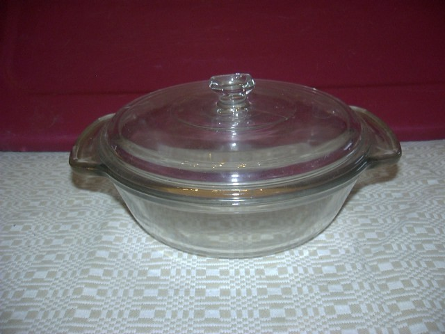 VINTAGE ANCHOR OVENWARE 1.5 COVERED CASSEROLE - $12.00