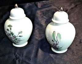 Ceramic Urns with Gilt Domed Lid ee82 AA18-1204 Pair of Vintage Japanese image 3