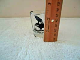 "Vintage Minnesota "" Timber Wolf "" Themed Shot Glass "" BEAUTIFUL COLLECTIBLE ITEM image 2"