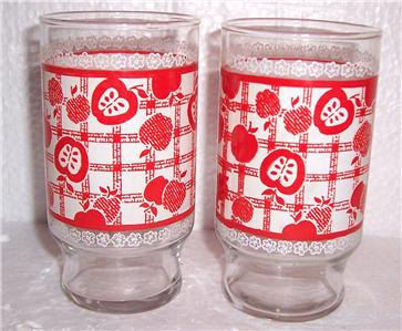 Vintage (2) Large Libbey Strawberries & Apples  Design Paraglazed Glasses